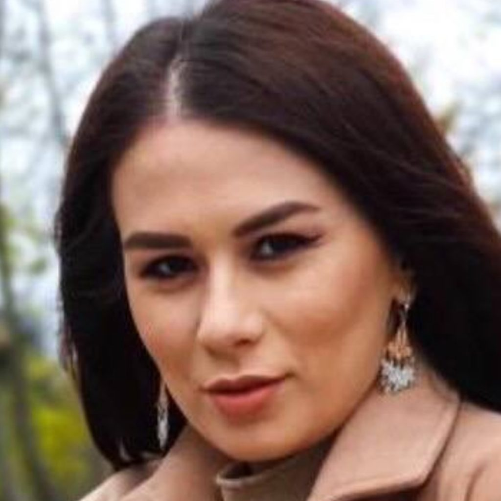 Ioana.Maria.Alexandra-opt